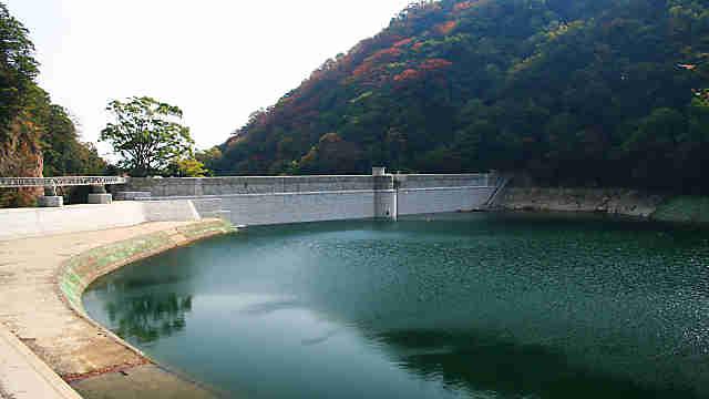五本松堰堤、布引貯水池