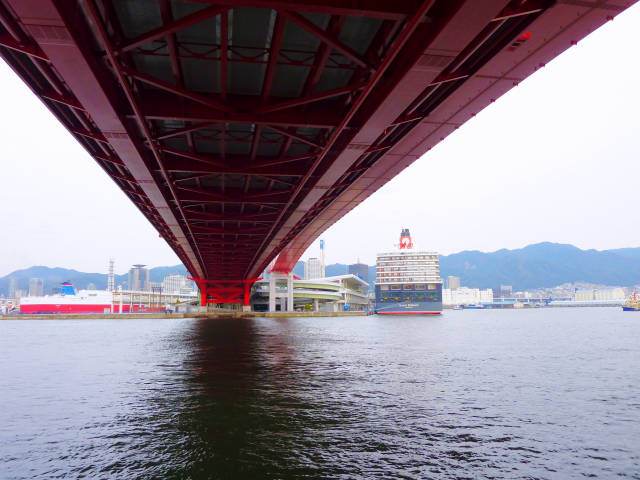 クイーン・エリザベス(QUEEN ELIZABETH) 神戸港