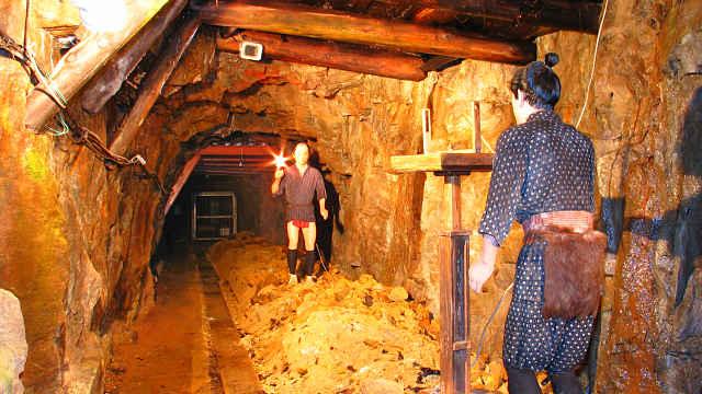 生野銀山の坑道