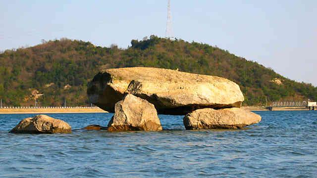 平荘湖の古墳
