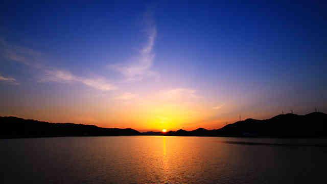 平荘湖の夕日