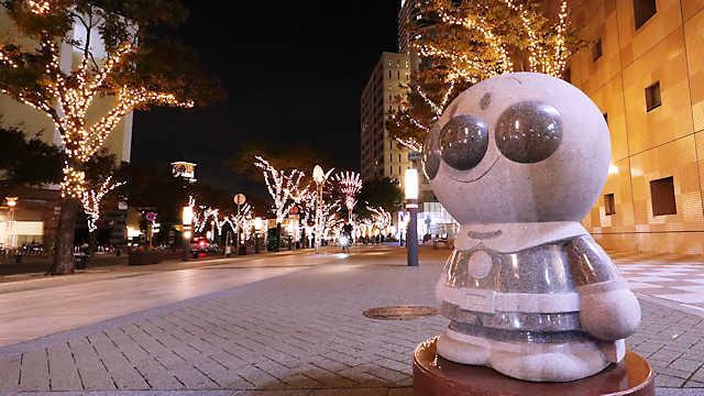 神戸ガス灯通りのイルミネーションとアンパンマン