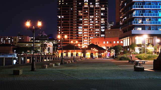 神戸ハーバーウォークと神戸煉瓦倉庫のライトアップ