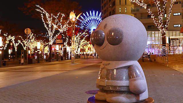 神戸ガス燈通り「アンパンマン」の石像