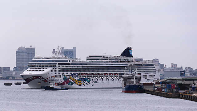 ノルウェージャン・ジュエル(Norwegian Jewel)神戸港