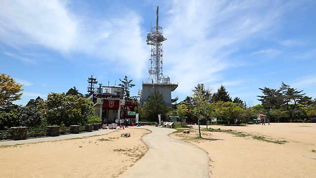摩耶山掬星台の山頂駅「星の駅」と 「きらきら小径」