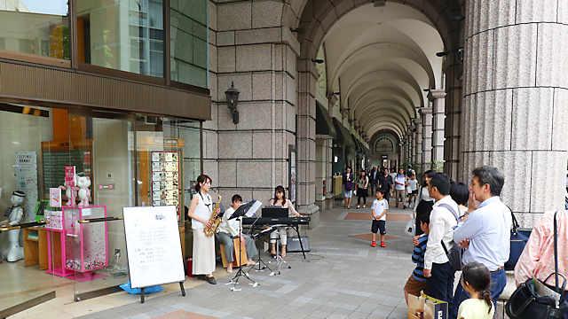 神戸旧居留地「ストリートライブ」