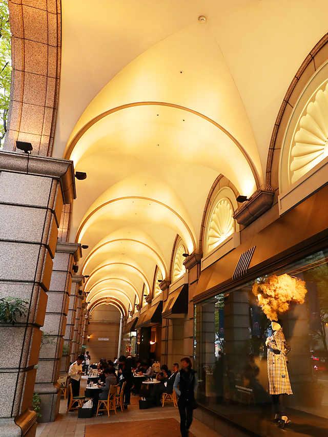 大丸神戸店のオープンカフェ