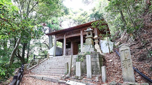 旧天上寺の山門(仁王門)