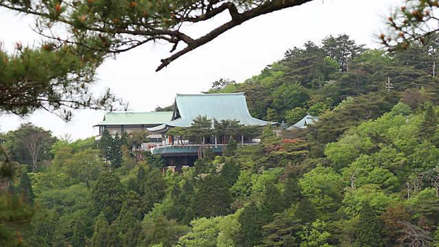 展望台から見る「摩耶山天上寺」