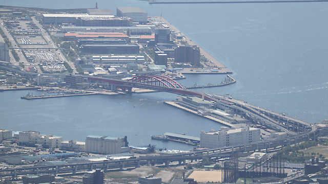 ポートアイランドと神戸を結ぶ海上橋「神戸大橋」