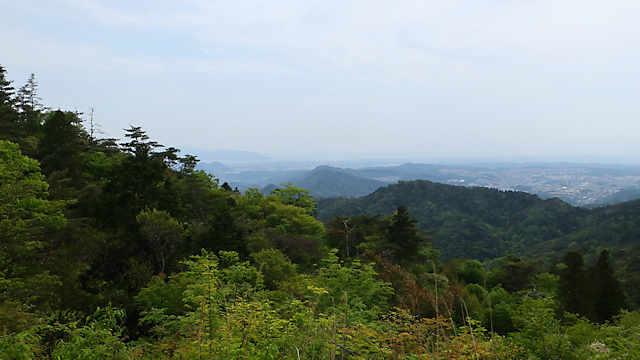 展望台からは、播磨平野、淡路島、明石海峡大橋、家島、小豆島が見えます。