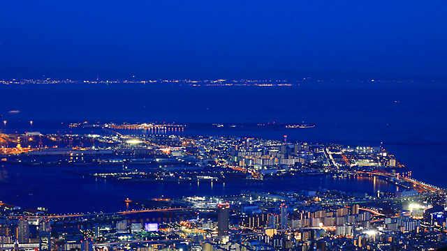 ポートアイランドと神戸空港の夜景