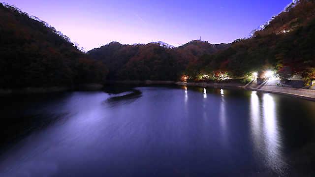 布引貯水池の夜景