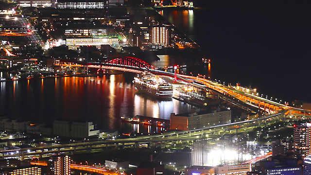ポートターミナルにはコスタ・ネオロマンチカ(Costa neoRomantica)が入港しています