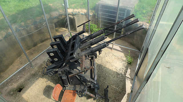 機銃座「対空機銃のレプリカ」
