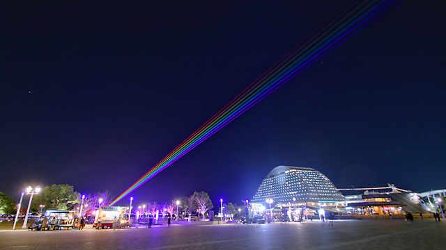 神戸メリケンパーク「グローバル・レインボー」のレーザー光線