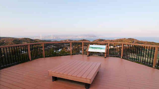 グランピング施設「グランシャリオ北斗七星 135°」の展望台