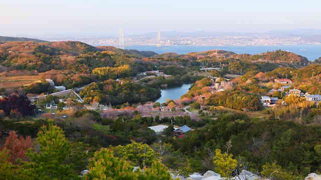 グランピング施設「グランシャリオ北斗七星 135°」の展望台から見た風景