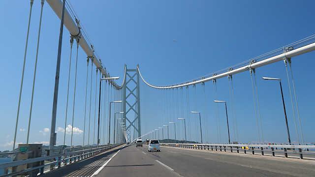 明石海峡大橋の車道
