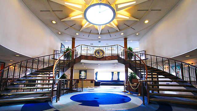ルミナス神戸2の船内