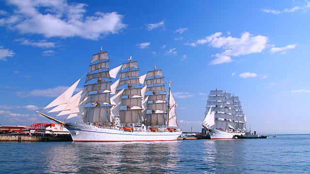 帆船「日本丸」と「海王丸」